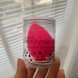 NEW BeautyBlender Pink